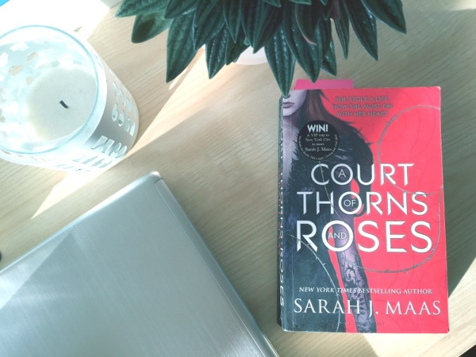 maas_a court of thorns and roses 1